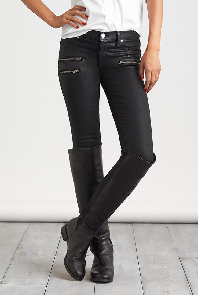 21 Simple Boots For Women On Jeans | sobatapk.com