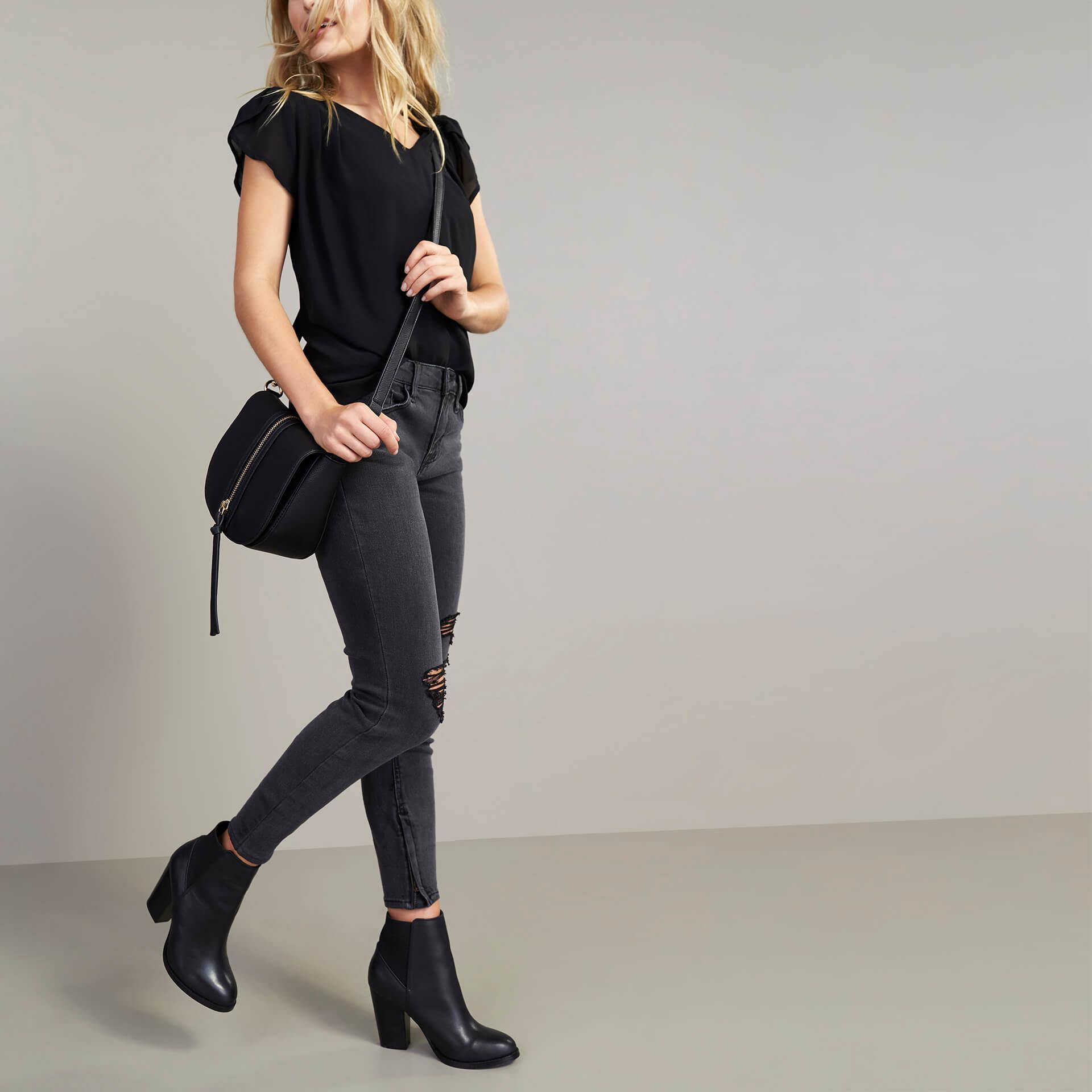 fa109ad5866a I m petite! What boots should I wear