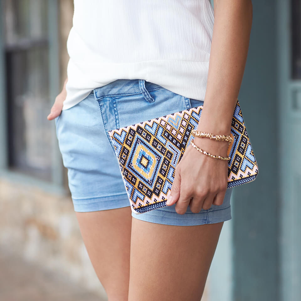 Trend Alert: Summer Clutches