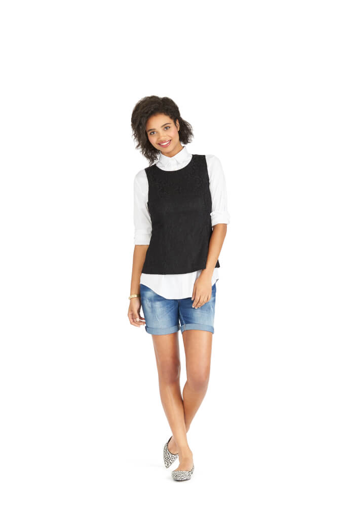 b8926a66d74e 9 Ways to Wear Denim Shorts this Summer