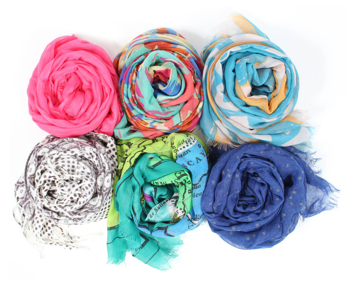 How do I wear scarves in the summer?