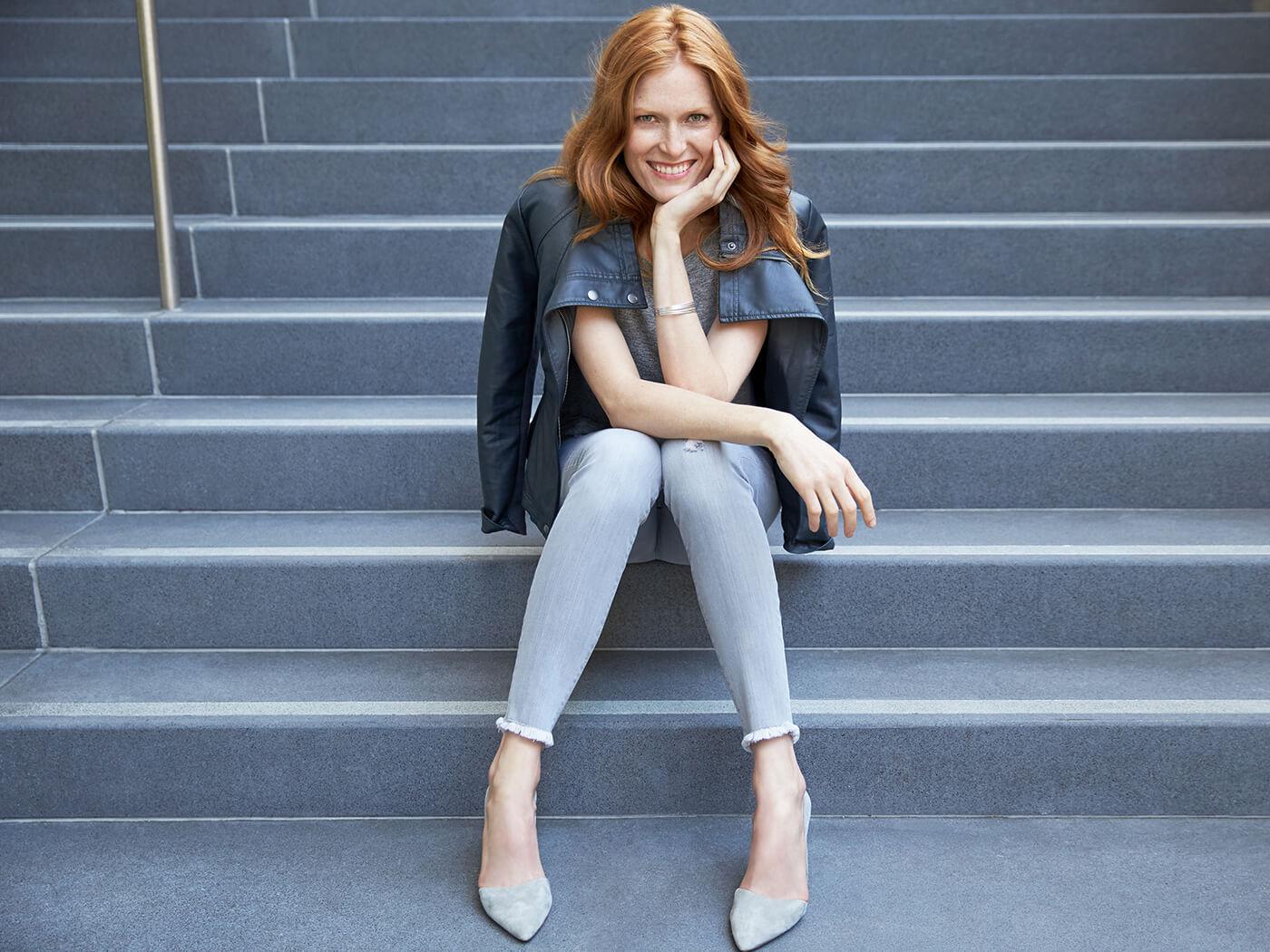How to Wear Skinny Jeans in monochrome